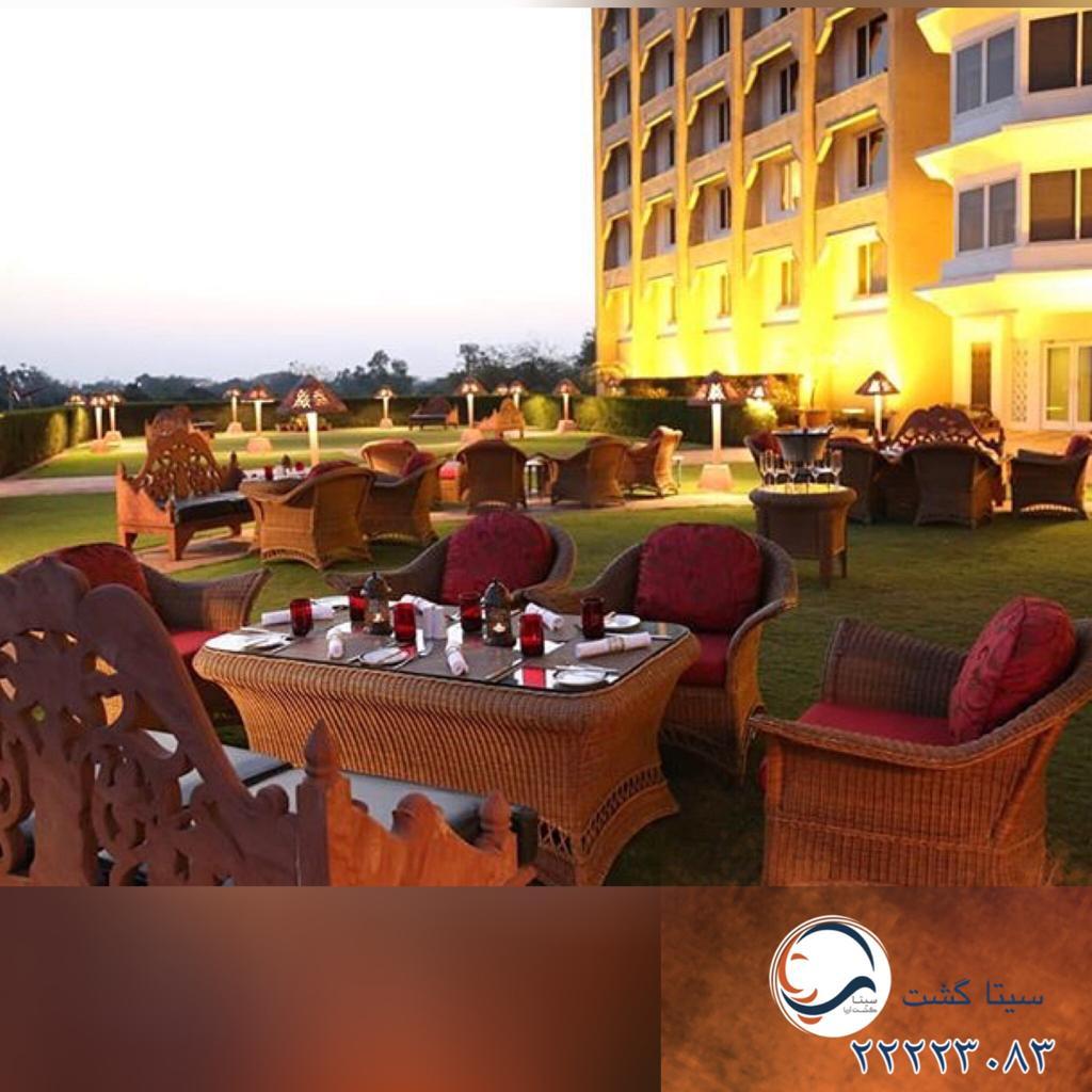 هتل تاج محل-بمبیی رستوران روباز